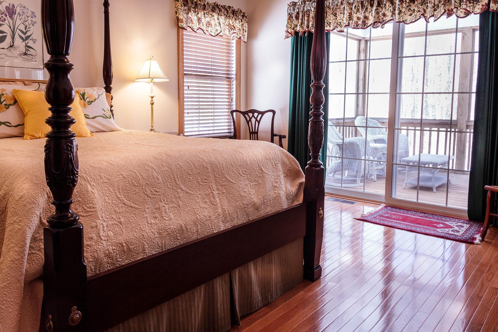 bedroom-670249_1920
