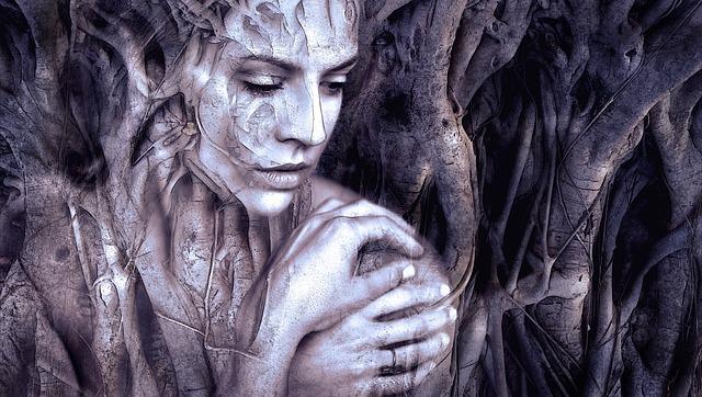 žena ve stromě.jpg