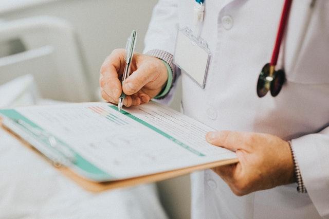 Doktor, lekár, zápisník